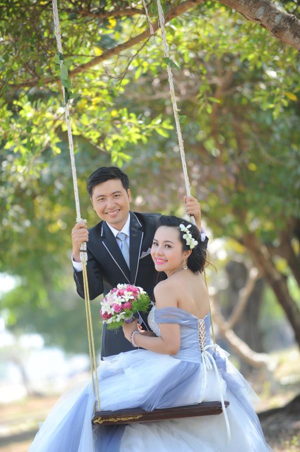 Ảnh cưới dễ thương, đẹp bình dị với cảnh quê sông nước và gánh hàng rong (03) tại Cưới hỏi trọn gói 365
