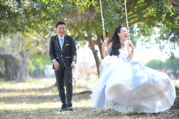 Ảnh cưới dễ thương, đẹp bình dị với cảnh quê sông nước và gánh hàng rong (05) tại Cưới hỏi trọn gói 365