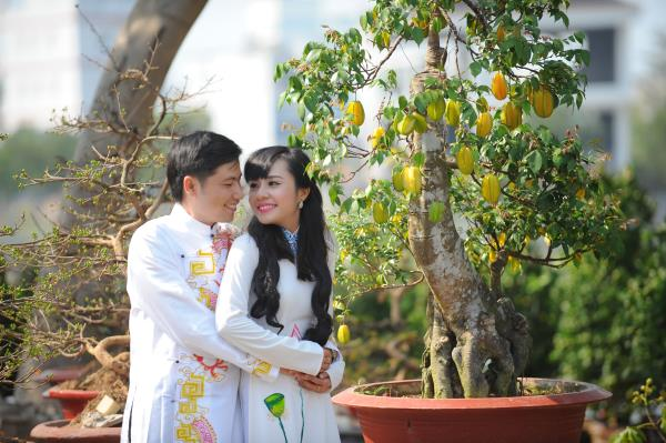 Ảnh cưới dễ thương, đẹp bình dị với cảnh quê sông nước và gánh hàng rong (09) tại Cưới hỏi trọn gói 365