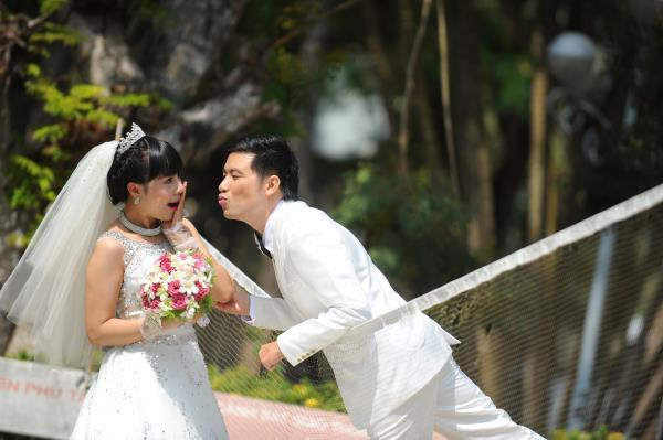 Ảnh cưới dễ thương, đẹp bình dị với cảnh quê sông nước và gánh hàng rong (18) tại Cưới hỏi trọn gói 365