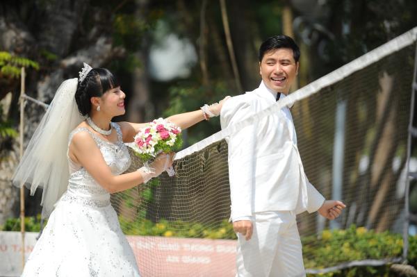 Ảnh cưới dễ thương, đẹp bình dị với cảnh quê sông nước và gánh hàng rong (19) tại Cưới hỏi trọn gói 365