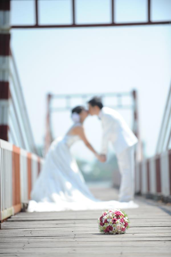 Ảnh cưới dễ thương, đẹp bình dị với cảnh quê sông nước và gánh hàng rong (20) tại Cưới hỏi trọn gói 365