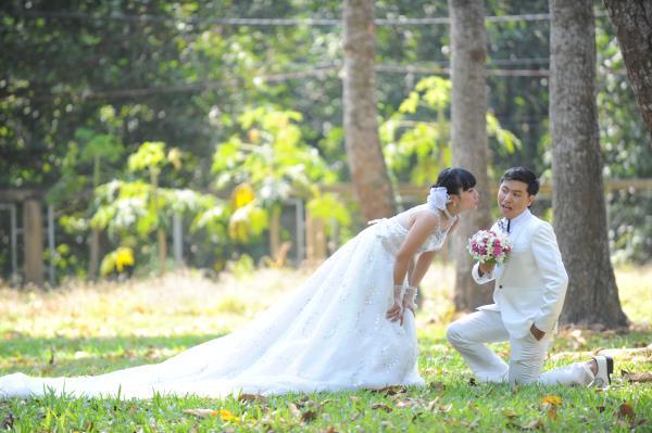 Ảnh cưới dễ thương, đẹp bình dị với cảnh quê sông nước và gánh hàng rong (23) tại Cưới hỏi trọn gói 365