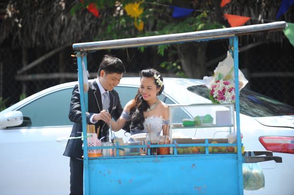 Ảnh cưới dễ thương, đẹp bình dị với cảnh quê sông nước và gánh hàng rong (26) tại Cưới hỏi trọn gói 365