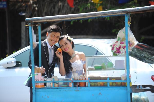 Ảnh cưới dễ thương, đẹp bình dị với cảnh quê sông nước và gánh hàng rong (27) tại Cưới hỏi trọn gói 365
