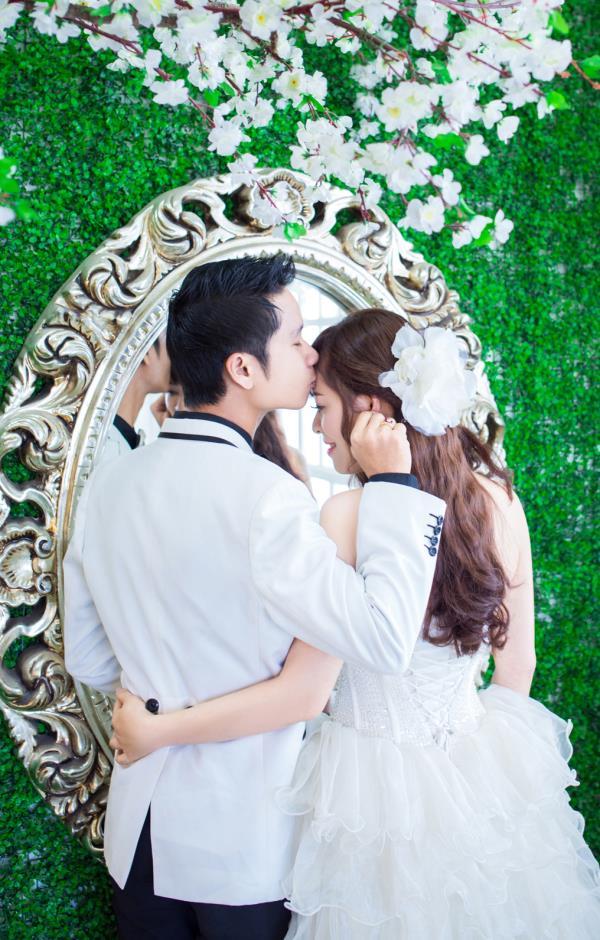 Ảnh cưới đẹp dễ thương, lãng mạn với gam màu tươi sáng trong phim trường (11) tại Cưới hỏi trọn gói 365
