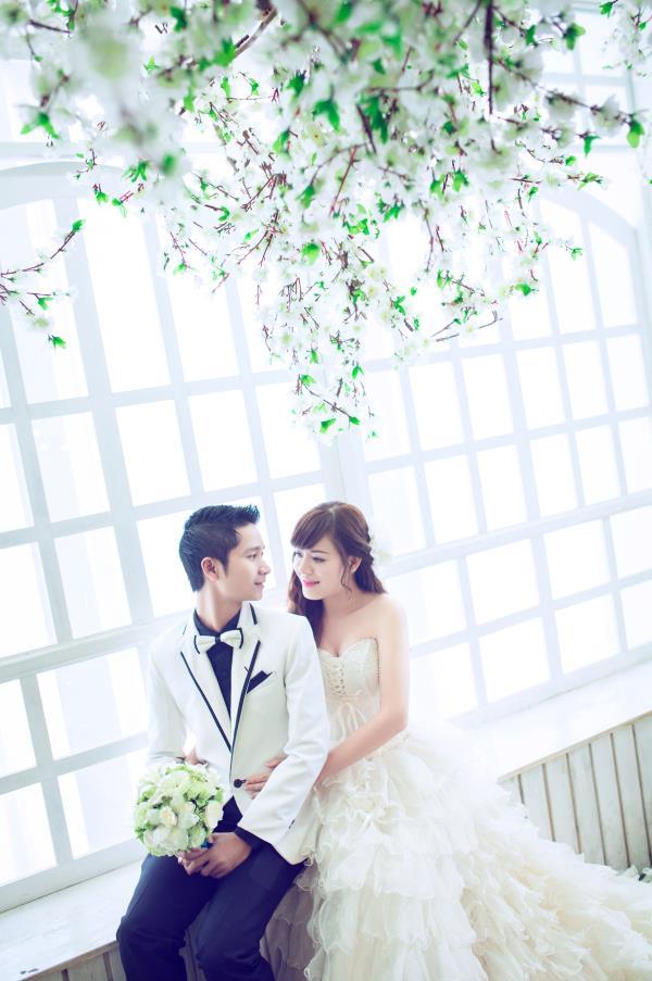 Ảnh cưới đẹp dễ thương, lãng mạn với gam màu tươi sáng trong phim trường (12) tại Cưới hỏi trọn gói 365