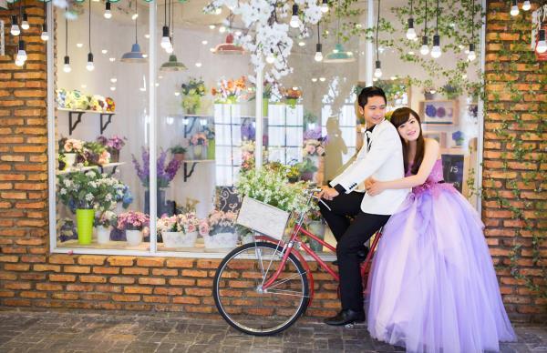 Ảnh cưới đẹp dễ thương, lãng mạn với gam màu tươi sáng trong phim trường (2) tại Cưới hỏi trọn gói 365