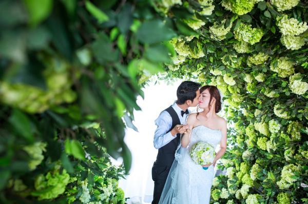 Ảnh cưới đẹp dễ thương, lãng mạn với gam màu tươi sáng trong phim trường (20) tại Cưới hỏi trọn gói 365