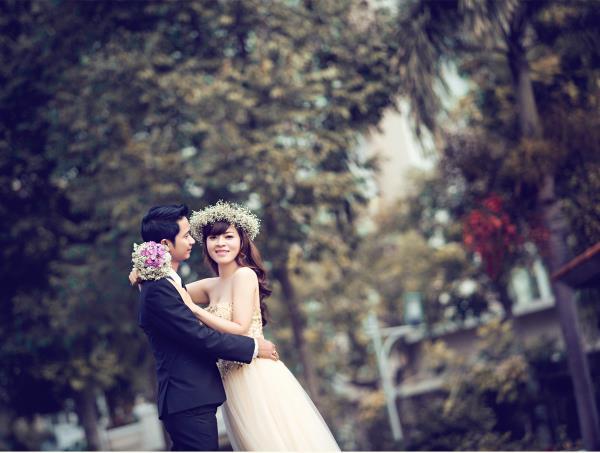 Ảnh cưới đẹp dễ thương, lãng mạn với gam màu tươi sáng trong phim trường (23) tại Cưới hỏi trọn gói 365