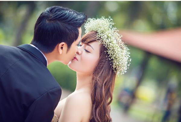 Ảnh cưới đẹp dễ thương, lãng mạn với gam màu tươi sáng trong phim trường (24) tại Cưới hỏi trọn gói 365