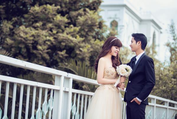 Ảnh cưới đẹp dễ thương, lãng mạn với gam màu tươi sáng trong phim trường (28) tại Cưới hỏi trọn gói 365