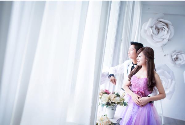 Ảnh cưới đẹp dễ thương, lãng mạn với gam màu tươi sáng trong phim trường (5) tại Cưới hỏi trọn gói 365