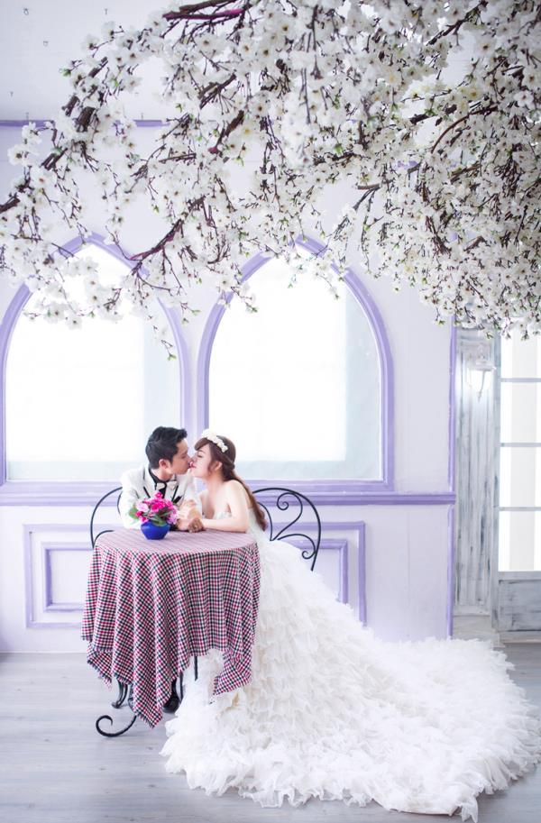Ảnh cưới đẹp dễ thương, lãng mạn với gam màu tươi sáng trong phim trường (7) tại Cưới hỏi trọn gói 365