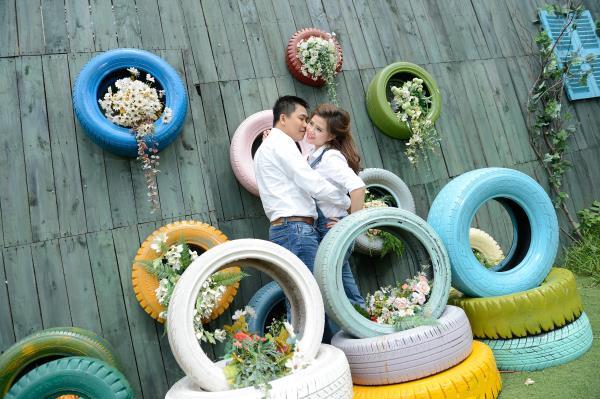 Ảnh cưới đẹp, dễ thương với đa sắc màu tươi tắn trong phim trường (01) tại Cưới hỏi trọn gói 365