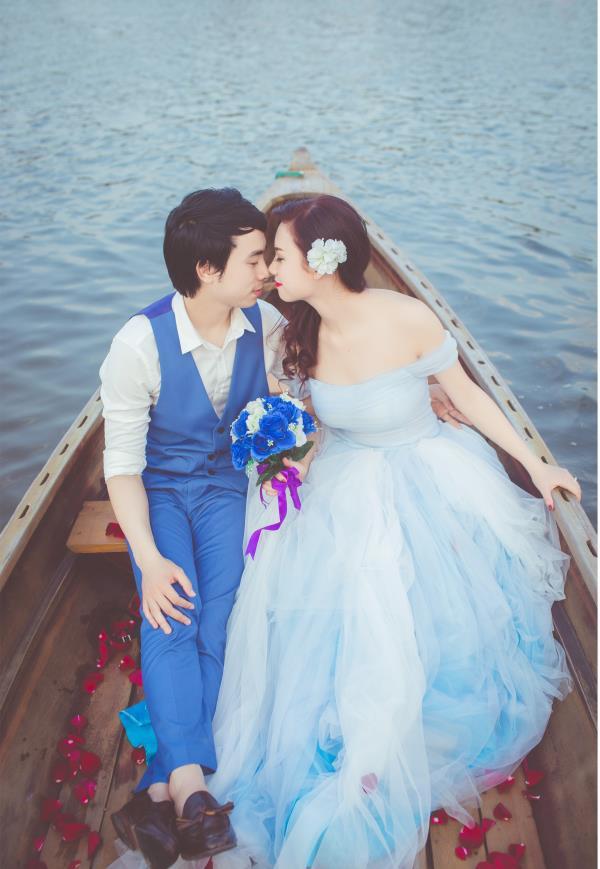 Ảnh cưới đẹp hồn nhiên với biển và rừng của cặp đôi trẻ trung (03) tại Cưới hỏi trọn gói 365