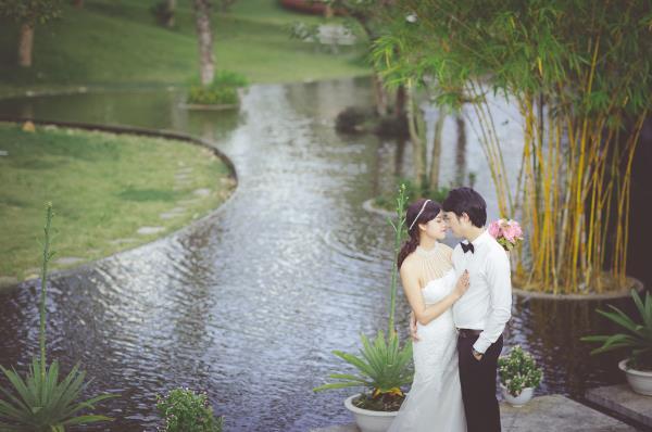 Ảnh cưới đẹp hồn nhiên với biển và rừng của cặp đôi trẻ trung (18) tại Cưới hỏi trọn gói 365
