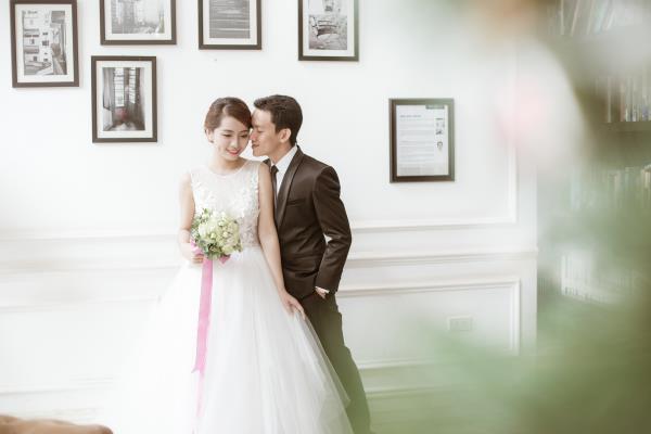 Ảnh cưới đẹp trong veo của cặp đôi trẻ trung, dễ thương trong phim trường và ngoại cảnh (03) tại Cưới hỏi trọn gói 365