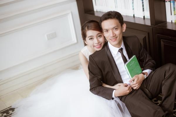 Ảnh cưới đẹp trong veo của cặp đôi trẻ trung, dễ thương trong phim trường và ngoại cảnh (08) tại Cưới hỏi trọn gói 365