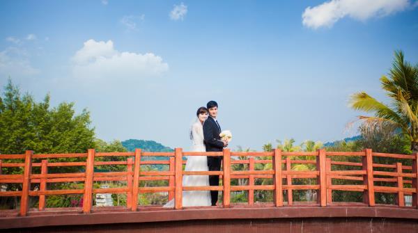 Ảnh cưới đẹp, tự nhiên, lãng mạn với cảnh thiên nhiên sóng động, đắm say lòng người (04) tại Cưới hỏi trọn gói 365