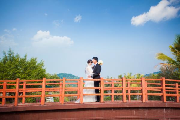 Ảnh cưới đẹp, tự nhiên, lãng mạn với cảnh thiên nhiên sóng động, đắm say lòng người (05) tại Cưới hỏi trọn gói 365