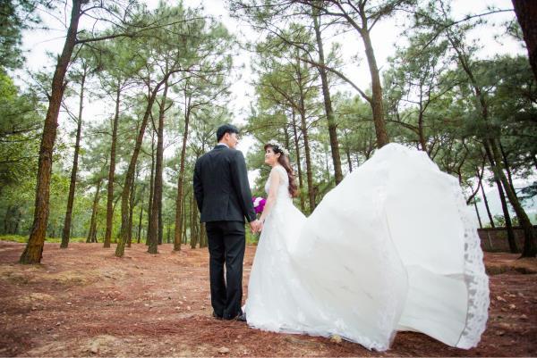 Ảnh cưới đẹp, tự nhiên, lãng mạn với cảnh thiên nhiên sóng động, đắm say lòng người (07) tại Cưới hỏi trọn gói 365