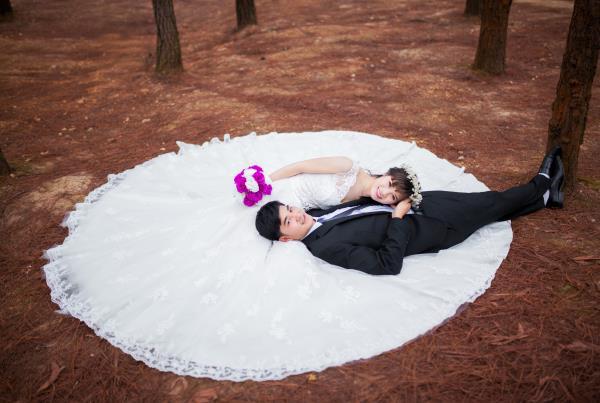 Ảnh cưới đẹp, tự nhiên, lãng mạn với cảnh thiên nhiên sóng động, đắm say lòng người (08) tại Cưới hỏi trọn gói 365