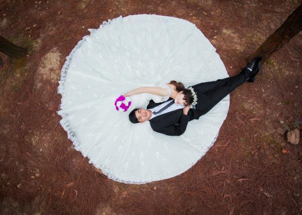 Ảnh cưới đẹp, tự nhiên, lãng mạn với cảnh thiên nhiên sóng động, đắm say lòng người (09) tại Cưới hỏi trọn gói 365