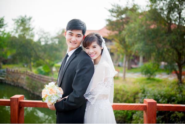 Ảnh cưới đẹp, tự nhiên, lãng mạn với cảnh thiên nhiên sóng động, đắm say lòng người (10) tại Cưới hỏi trọn gói 365