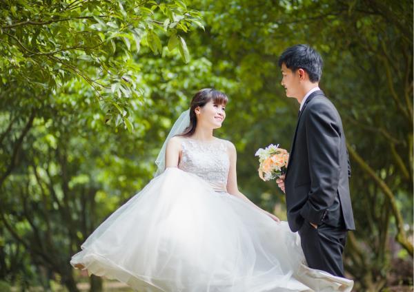 Ảnh cưới đẹp, tự nhiên, lãng mạn với cảnh thiên nhiên sóng động, đắm say lòng người (13) tại Cưới hỏi trọn gói 365