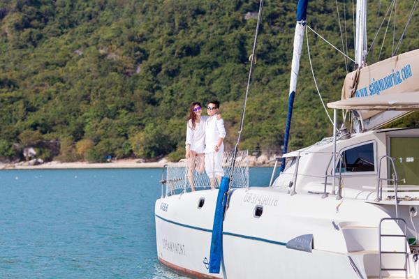 Ảnh cưới đẹp, tự nhiên, lãng mạn với gam màu xanh mát lành với cảnh biển Nha Trang (03) tại Cưới hỏi trọn gói 365