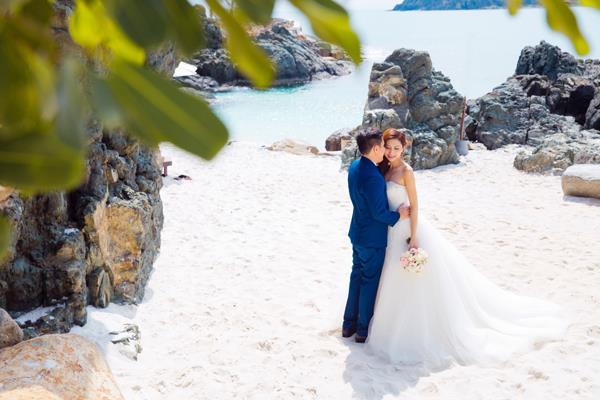 Ảnh cưới đẹp, tự nhiên, lãng mạn với gam màu xanh mát lành với cảnh biển Nha Trang (14) tại Cưới hỏi trọn gói 365