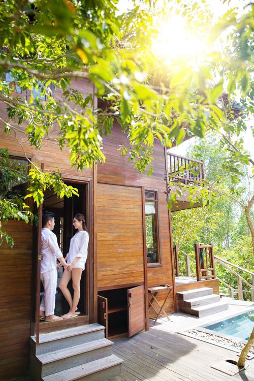 Ảnh cưới đẹp, tự nhiên, lãng mạn với gam màu xanh mát lành với cảnh biển Nha Trang (15) tại Cưới hỏi trọn gói 365