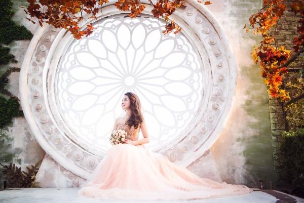 Ảnh cưới đẹp tươi trong phim trường và cảnh tự nhiên với cô dâu chú rể xứng lứa vừa đôi (06) tại Cưới hỏi trọn gói 365