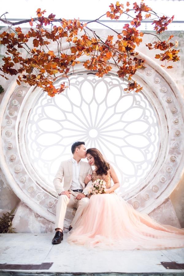 Ảnh cưới đẹp tươi trong phim trường và cảnh tự nhiên với cô dâu chú rể xứng lứa vừa đôi (07) tại Cưới hỏi trọn gói 365