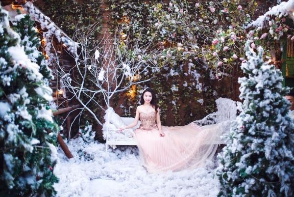 Ảnh cưới đẹp tươi trong phim trường và cảnh tự nhiên với cô dâu chú rể xứng lứa vừa đôi (08) tại Cưới hỏi trọn gói 365
