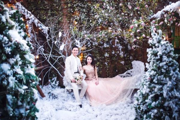 Ảnh cưới đẹp tươi trong phim trường và cảnh tự nhiên với cô dâu chú rể xứng lứa vừa đôi (09) tại Cưới hỏi trọn gói 365