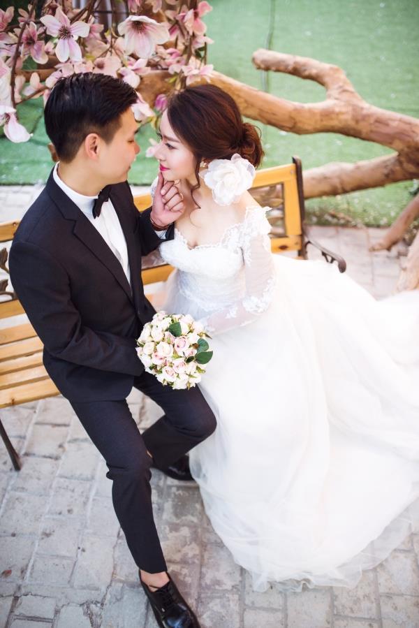 Ảnh cưới đẹp tươi trong phim trường và cảnh tự nhiên với cô dâu chú rể xứng lứa vừa đôi (11) tại Cưới hỏi trọn gói 365