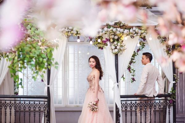 Ảnh cưới đẹp tươi trong phim trường và cảnh tự nhiên với cô dâu chú rể xứng lứa vừa đôi (18) tại Cưới hỏi trọn gói 365