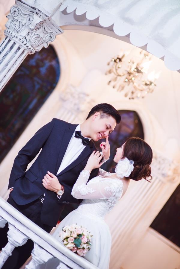 Ảnh cưới đẹp tươi trong phim trường và cảnh tự nhiên với cô dâu chú rể xứng lứa vừa đôi (20) tại Cưới hỏi trọn gói 365