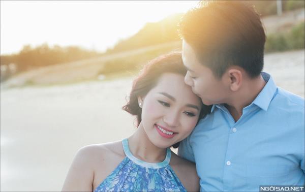 Ảnh cưới ở biển Bình Thuận - Cô dâu chú rể thật vui vẻ và tươi tắn (04) tại Cưới hỏi trọn gói 365