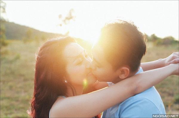 Ảnh cưới ở biển Bình Thuận - Cô dâu chú rể thật vui vẻ và tươi tắn (08) tại Cưới hỏi trọn gói 365