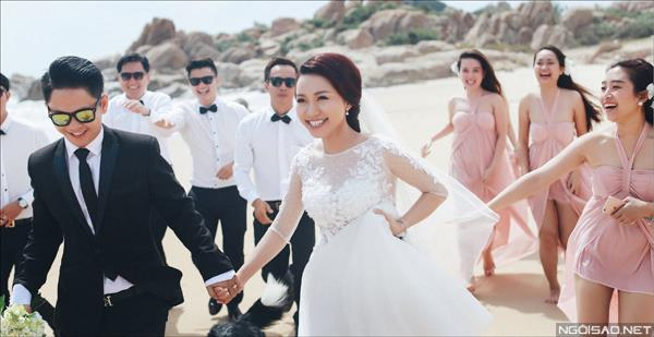 Ảnh cưới ở biển Bình Thuận - Cô dâu chú rể thật vui vẻ và tươi tắn (09) tại Cưới hỏi trọn gói 365