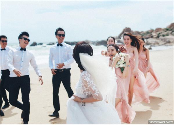 Ảnh cưới ở biển Bình Thuận - Cô dâu chú rể thật vui vẻ và tươi tắn (10) tại Cưới hỏi trọn gói 365