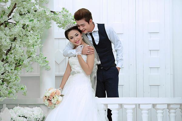 Ảnh cưới tại phim trường miền tây tuyệt đẹp với hoa ngập tràn (01) tại Cưới hỏi trọn gói 365