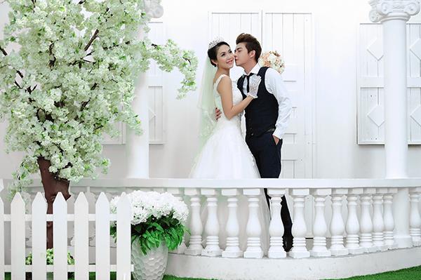 Ảnh cưới tại phim trường miền tây tuyệt đẹp với hoa ngập tràn (02) tại Cưới hỏi trọn gói 365