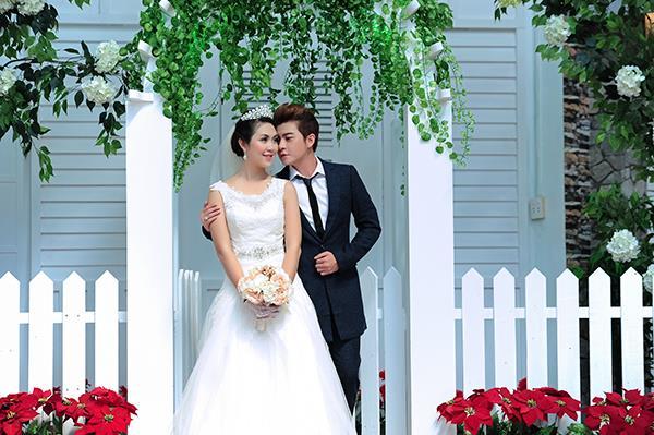 Ảnh cưới tại phim trường miền tây tuyệt đẹp với hoa ngập tràn (05) tại Cưới hỏi trọn gói 365
