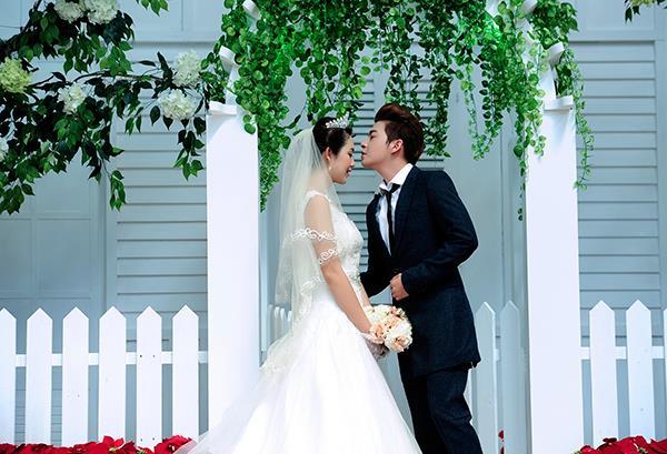 Ảnh cưới tại phim trường miền tây tuyệt đẹp với hoa ngập tràn (06) tại Cưới hỏi trọn gói 365