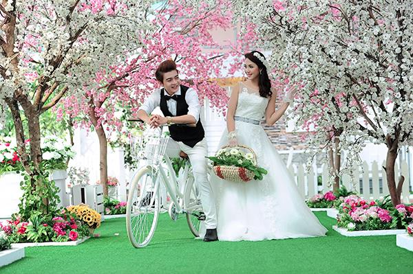 Ảnh cưới tại phim trường miền tây tuyệt đẹp với hoa ngập tràn (07) tại Cưới hỏi trọn gói 365