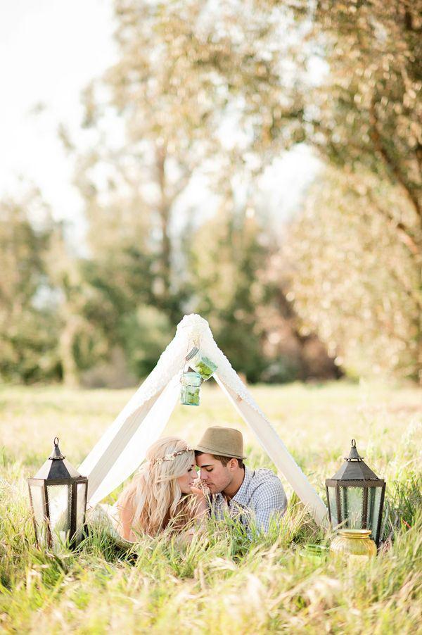 Ảnh cưới trên đồng cỏ hoa cải vàng ngập tràn (05) tại Cưới hỏi trọn gói 365